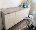 Skubiai ir nebrangiai parduodami odontologinio kabineto baldai